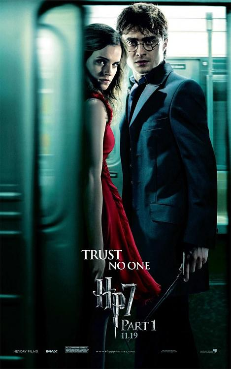 Film Posterlerindeki Hatalar / Movie Posters Mistakes-harry_potter_and_the_deathly_hallows_part_1_movie_poster_heromine_harry_01jpg